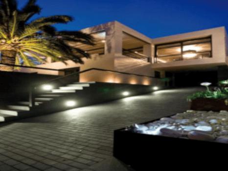iluminación jardines particulares